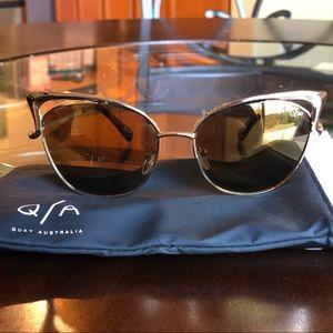 Quay Australia Metal Frame Cat Eye sunglasses 😎
